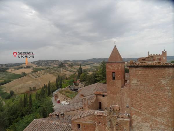 AGRITURISMO Il Torrione e calanchi di San Giorsolè